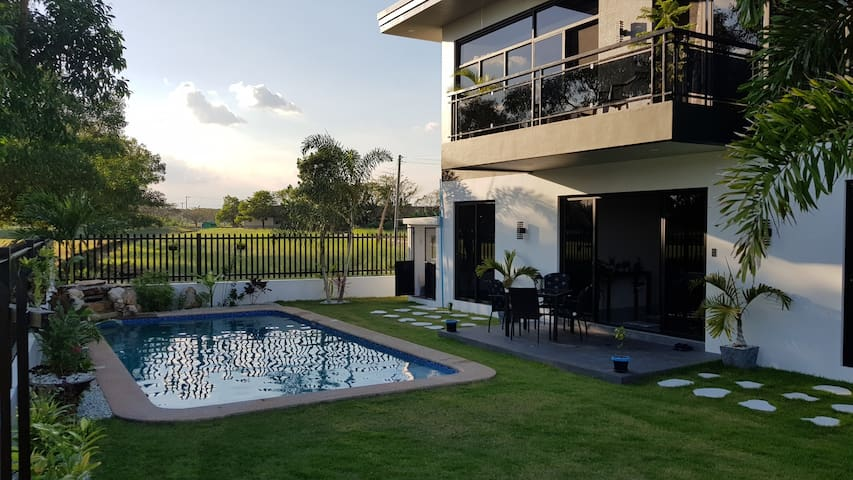 250sqm New Build European House w/ Pool & Golfview