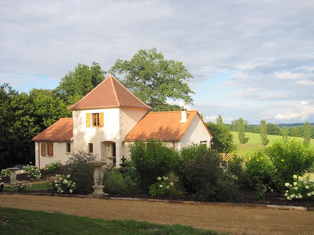 Not for rent anymore - Saint-Paul-la-Roche - วิลล่า