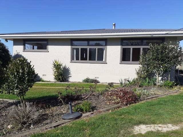 Newly painted house for DUNBAR ESTATES accommodation
