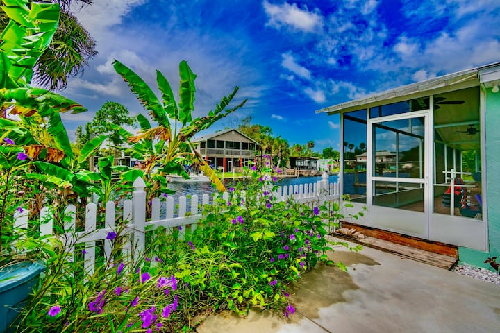 Gorgeous Weeki Wachee waterfront oasis w/ privacy