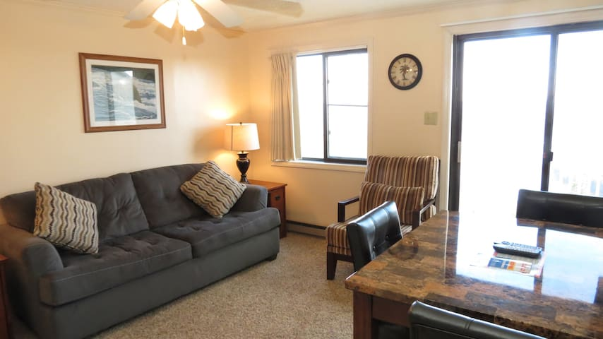 Unit-354*1BR/1BA*Ski In/Ski Out*Free Parking+Wifi - Snowshoe - Condomínio