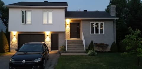 Recentlty renovated house in Bois-des-Filion