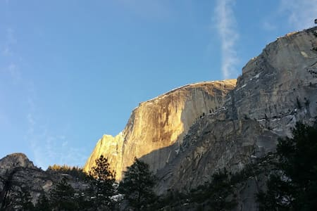 Lovely Mountain Lake Chalet near Yosemite - Groveland - House