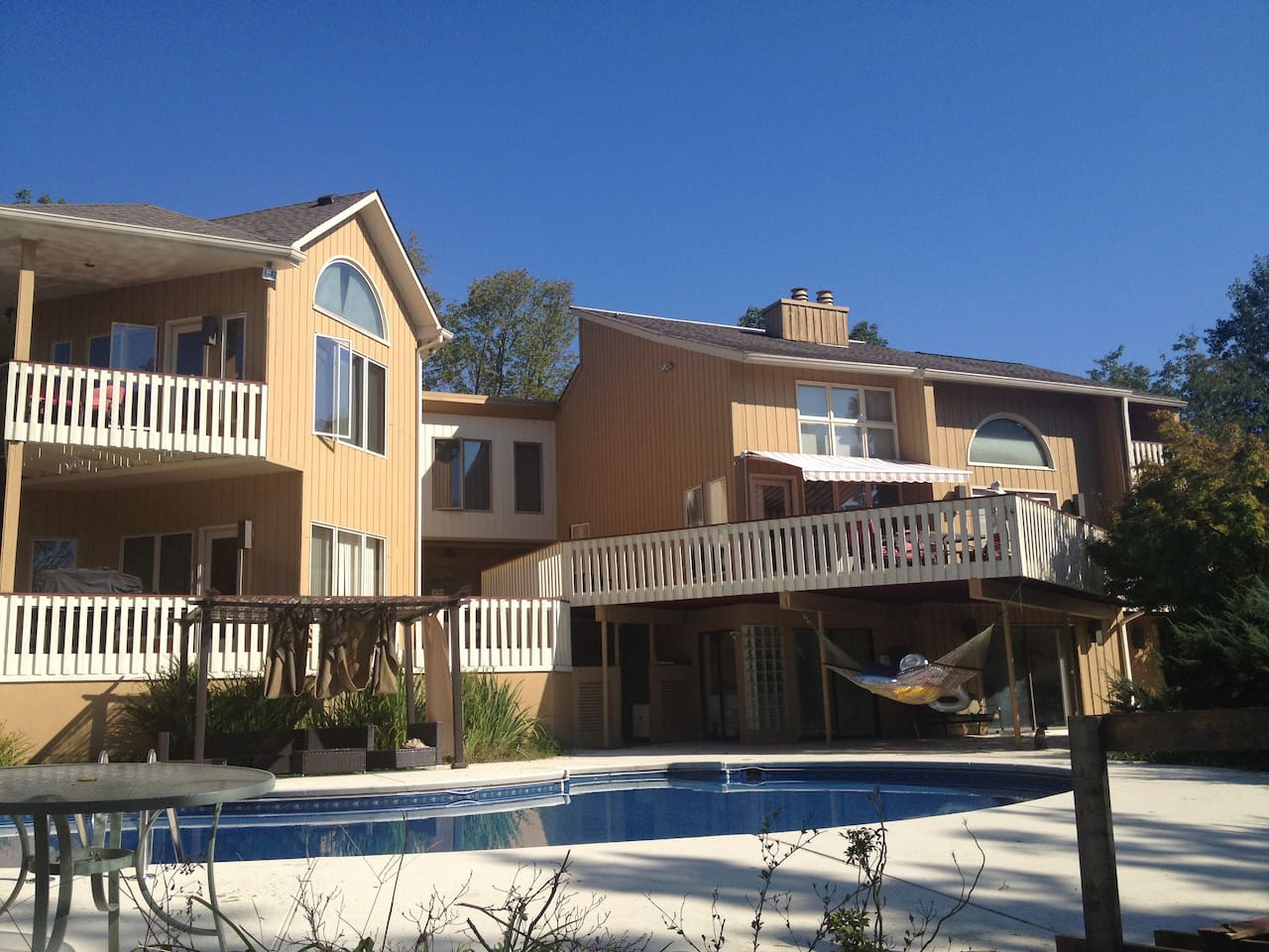 Exterior over pool