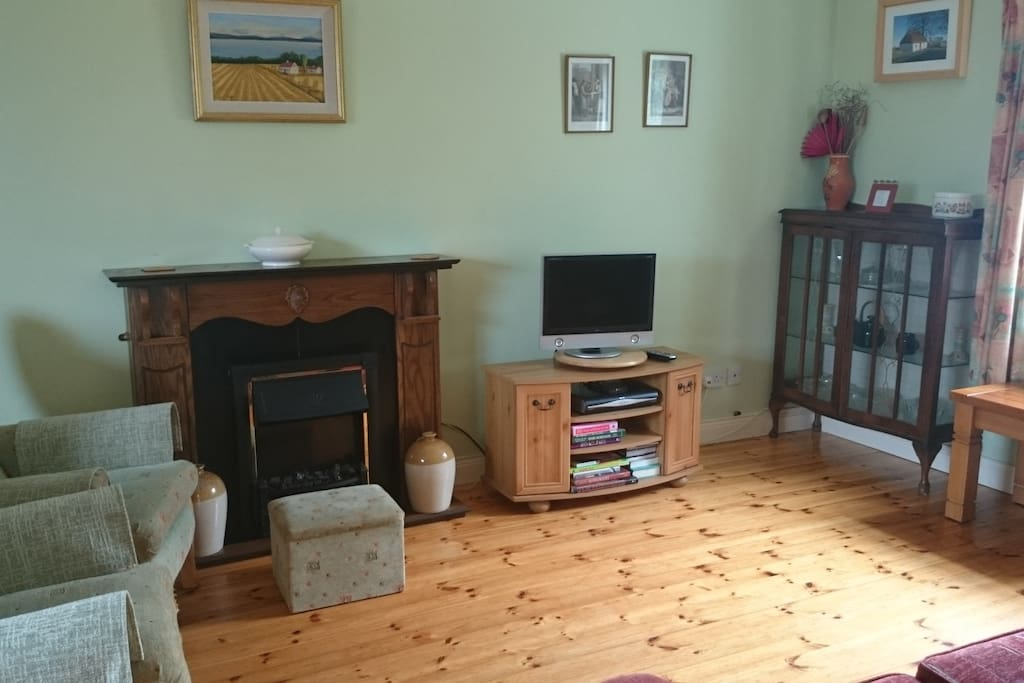 Sitting and TV room