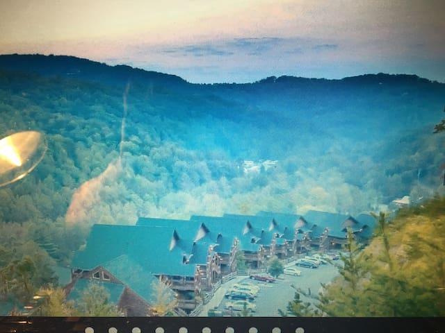 Great Log Cabin Getaway With Mighty Smoky Mountain - Gatlinburg - Srub