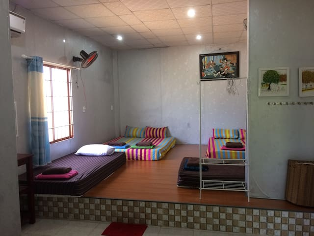 Mia Homestay: Room for 8pp next 400m to beach