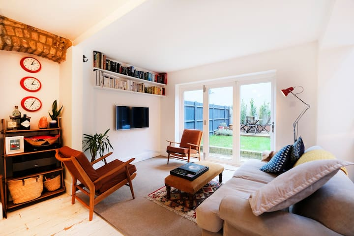 Large Open-Plan Garden Flat on the Park Sleeps 6 - Londyn - Apartament