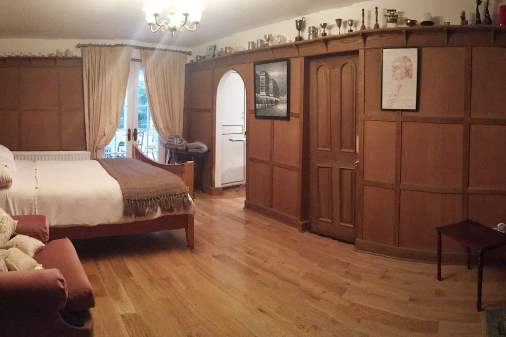 Master Bedroom with ensuite leading to conversatory