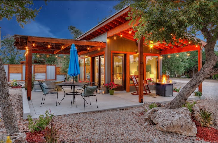 The Patio House: Hill Country Casita