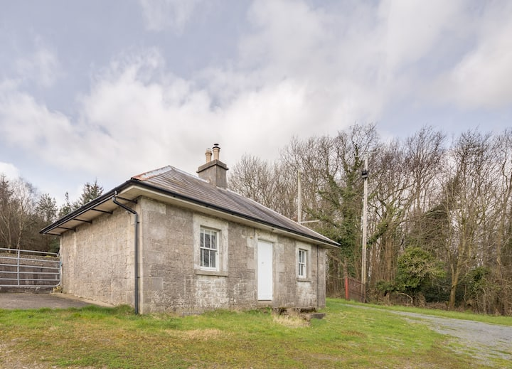 Perfect Isolation, Historic Estate Cottage, Walks