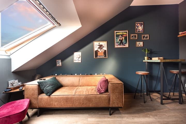 Netflix N Chill LOFT - City Centre