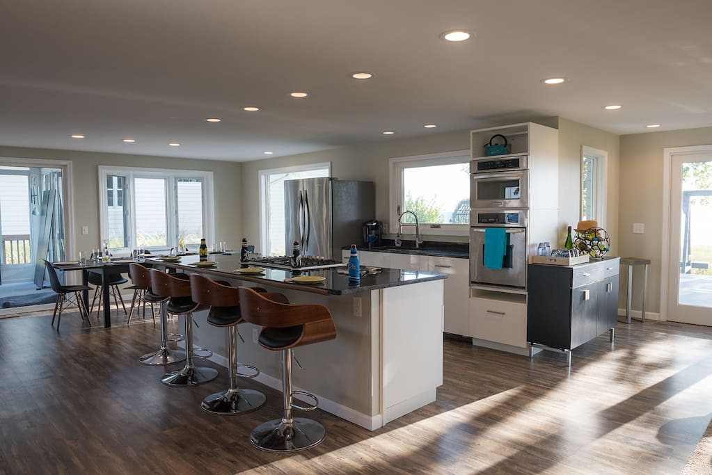 Open kitchen. Ideal for socializing and cooking.