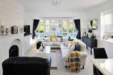 Grand Ave By The Sea - Luxury, Elegance & Comfort - Worthing - Apartamento