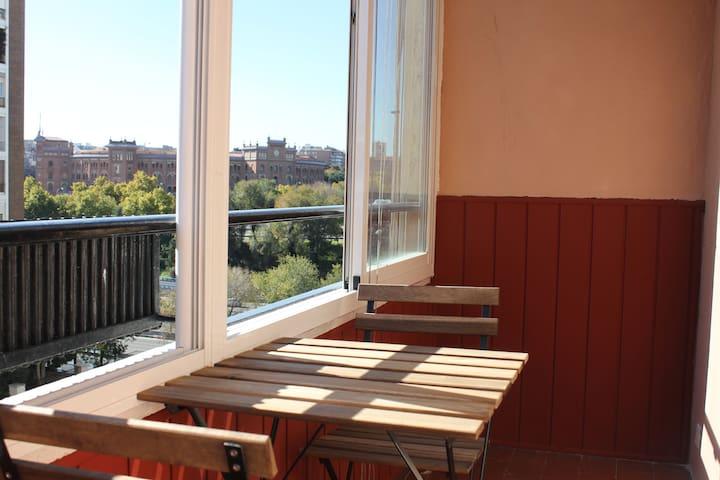 Apartamento luminoso y con bonitas vistas - Madrid - Byt