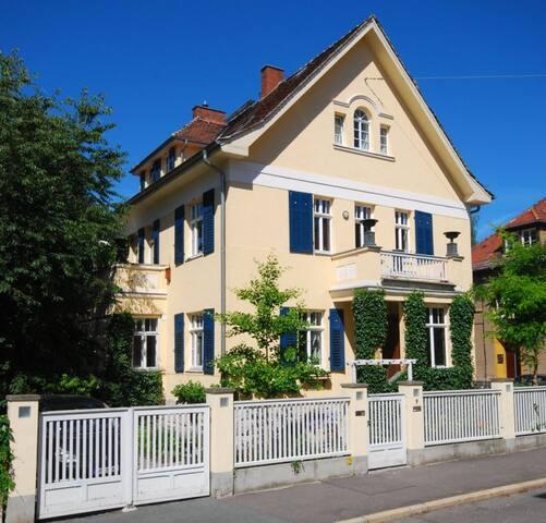 zentral gelegene Villa mit 180 m² - Weimar - Villa