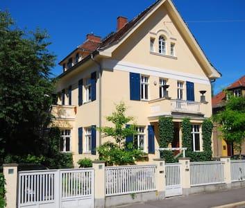 zentral gelegene Villa mit 180 m² - Weimar