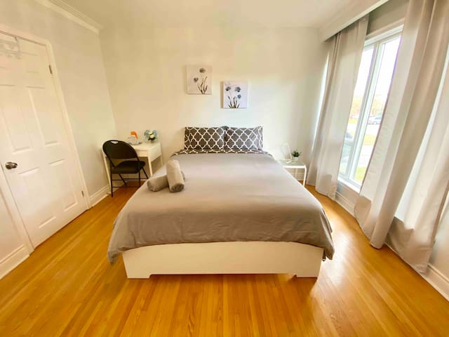 Bright and larger Room minute to Keele st