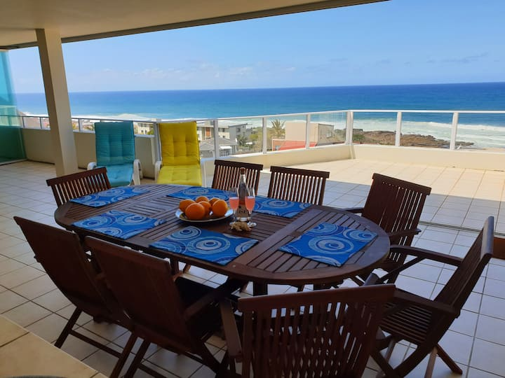 Breathtaking sea view family penthouse in Manaba