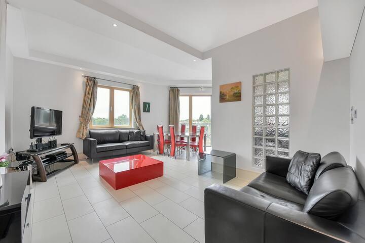 Kilburn Apartment