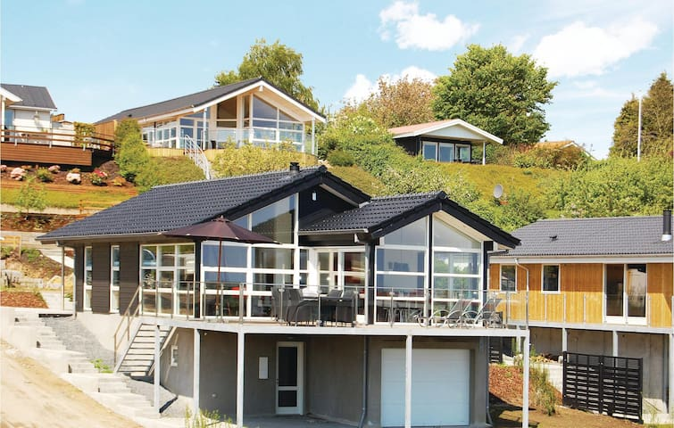 Holiday cottage with 2 bedrooms on 110m² in Børkop