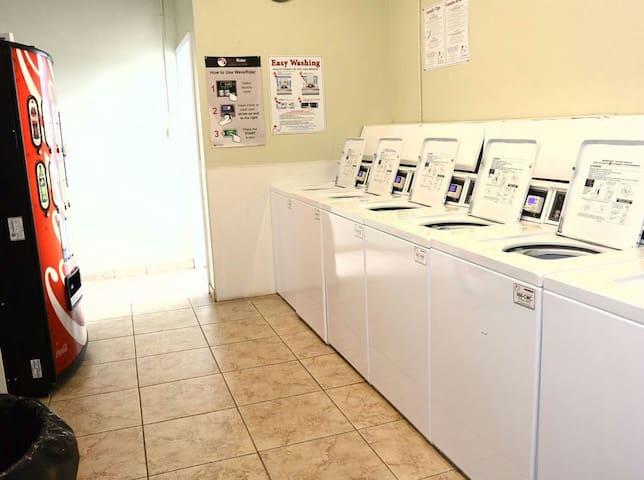 Cozy WATERFRONT Studio w AMENITIES - Galveston - Apartment