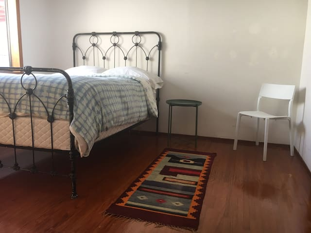 Sunny & clean in North Park: close to Zoo & Balboa