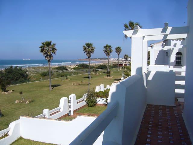 Primera linea de playa, La Barrosa. Wifi. - Chiclana de la Frontera - House