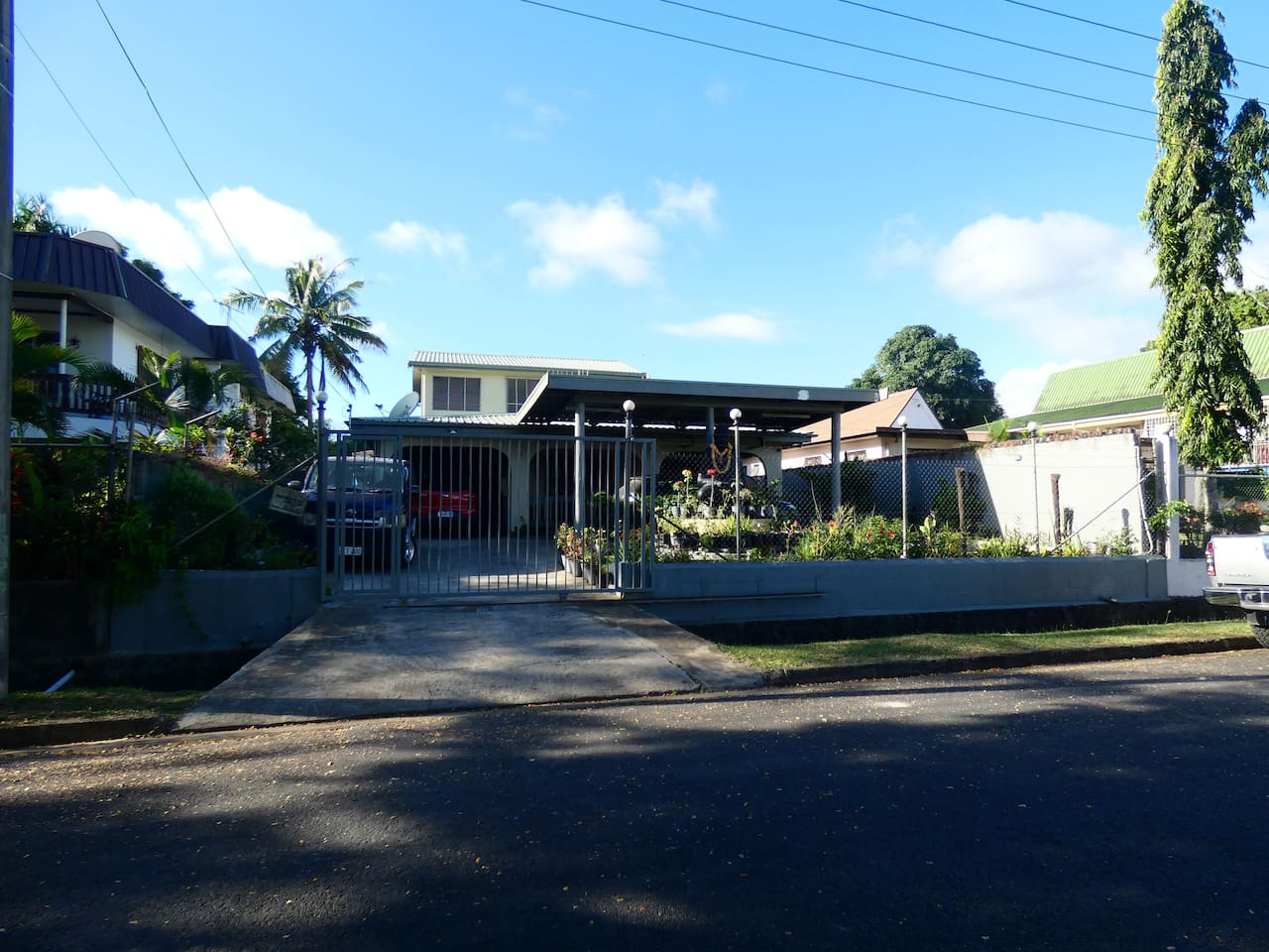 Front view of the Property, Property is fully secured in a very nice neighborhood