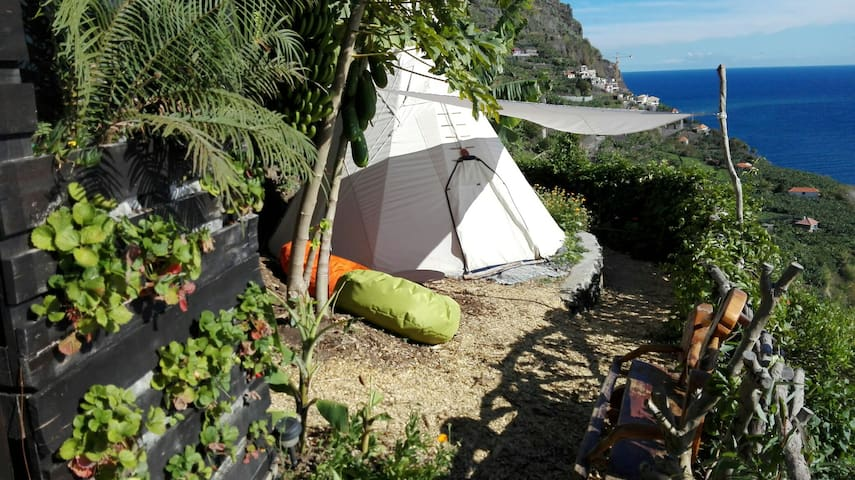Glamping in a Hidden Paradise  ~ - Ponta Do Sol - Tenda Tipi