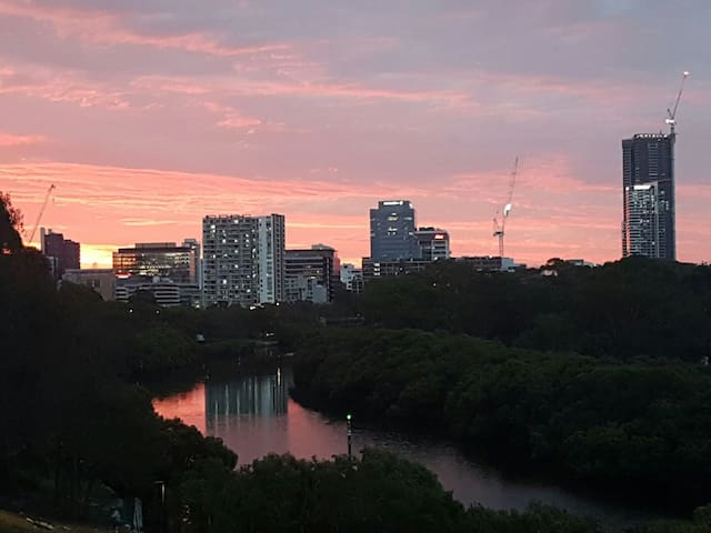 Parramatta River View bliss & Comfort awaits you - Parramatta - Appartement