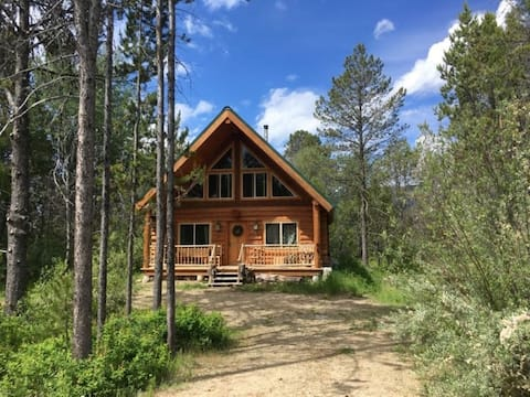 Rustic cabin in Donnelly, Idaho