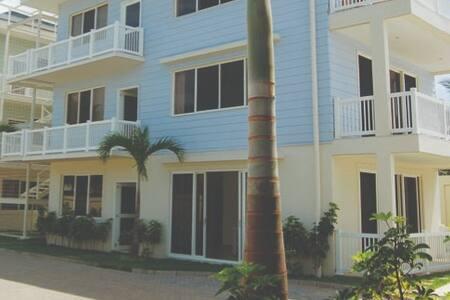 Apartamento en Olas de Roble con Vista al Mar