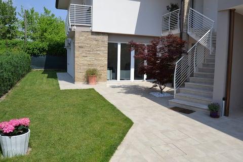 CASA LA ROSA: Vila in Montegrotto Terme