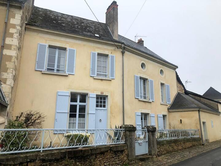 La Maison Bleue, maison de charme à Baugé-en-Anjou