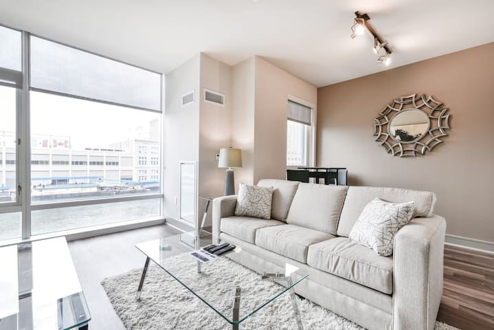 Magnificent Seaport Medical  2BR Apt