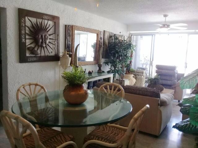 Beautiful apartment in Acapulco Costa Azul
