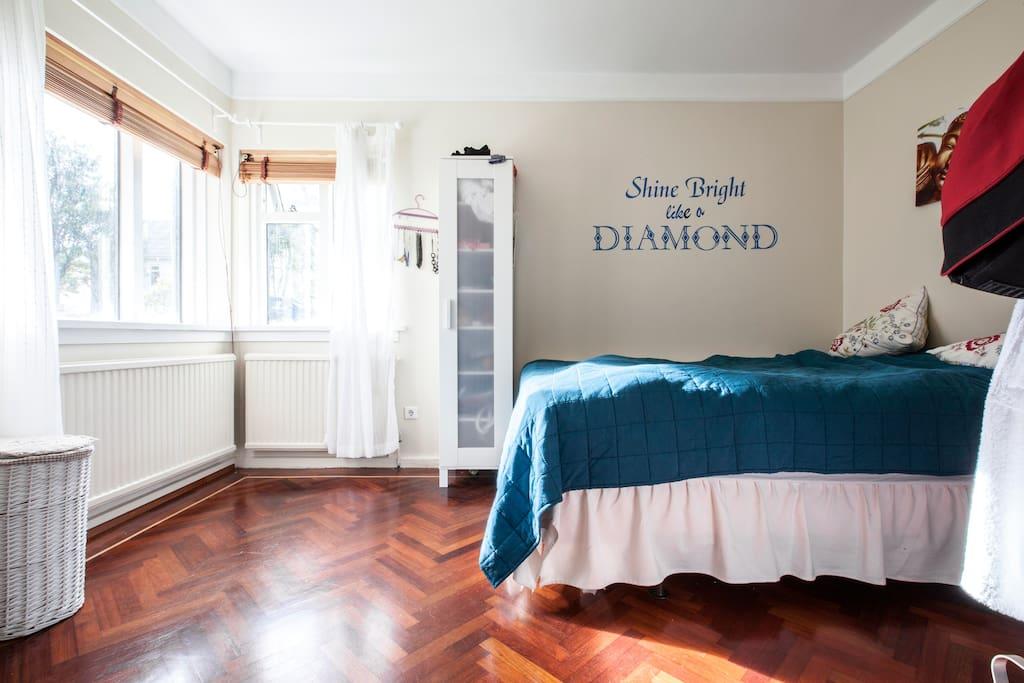 Bedroom, with queen size bed