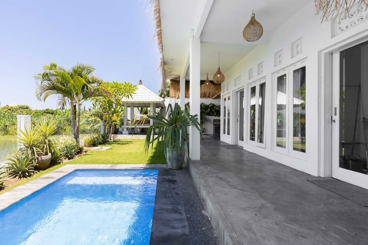SELF-ISOLATION IN TROPICAL 2BR VILLA - VIEW - POOL