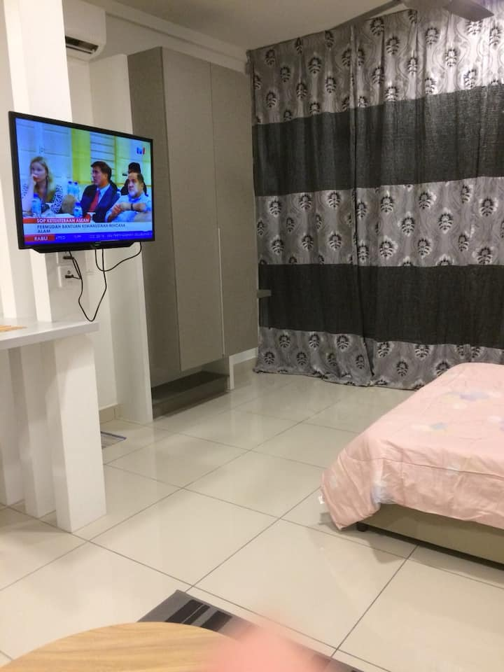 FREE WIFI : Baizura's suite @ Evo Soho