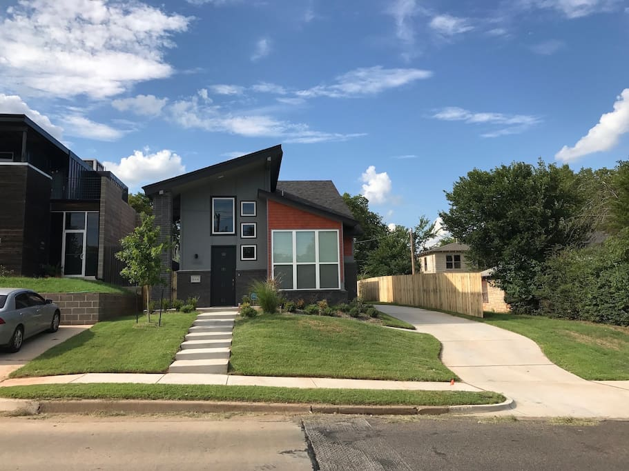 Brand new house, 5 minutes from downtown.