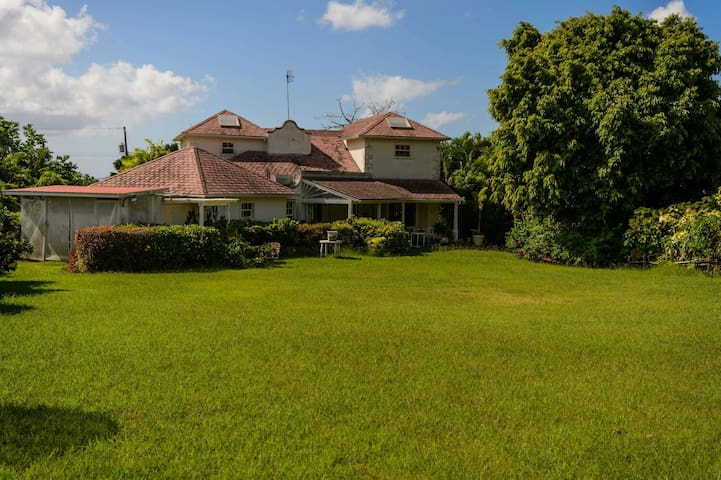 Hazelwood, is located 5 mins from the beach.