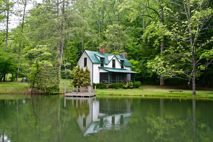Big Creek Lodge - 8 Acres, Private Trout Pond - Mills River - Leilighet