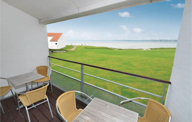 Holiday apartment with 3 bedrooms on 102m² in Ebeltoft