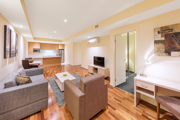 Spacious 1 Bedroom Apt near Parliament