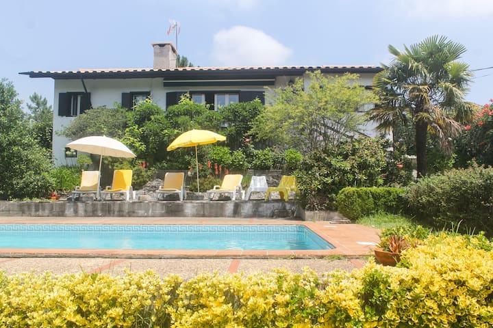 Cosy countryhouse w/pool near Porto & Douro valley
