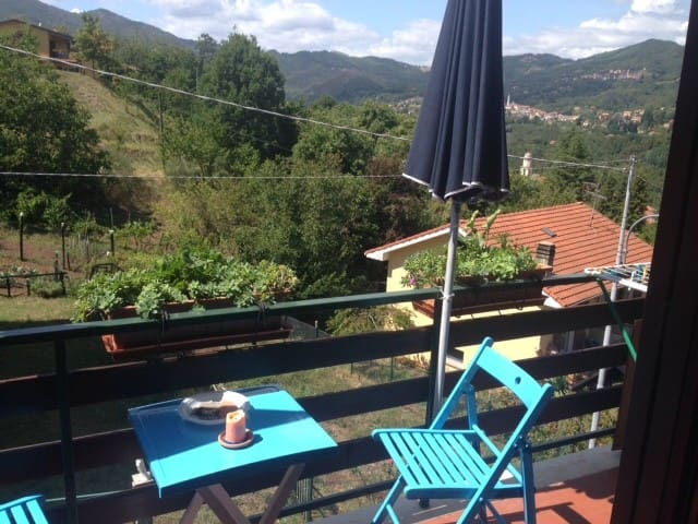 COZY APARTMENT 20 MINUTES FROM 5 TERRE - Carro - Daire