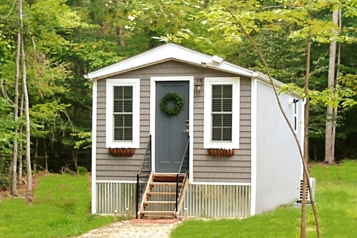 """Entire Home """"Tiny House at the Battlefield"""""""
