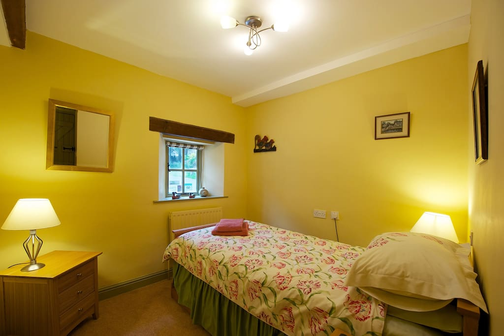Pinster Cottage Single Bedroom