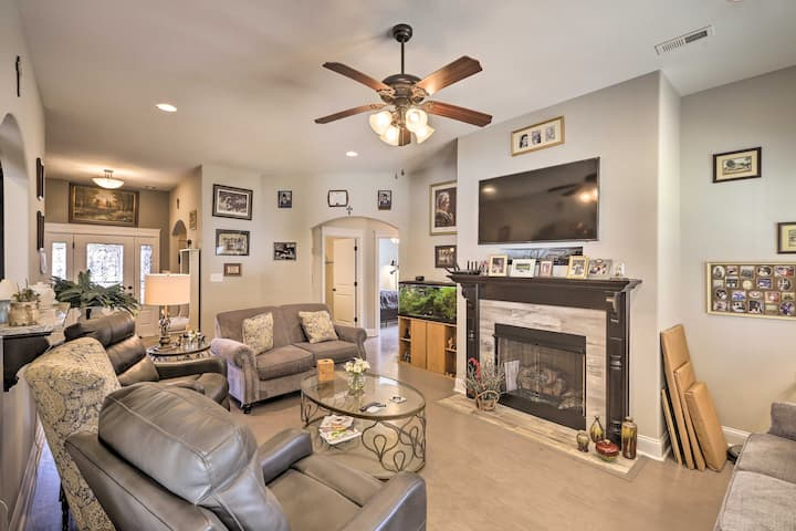 NEW! Luxe Cottage for Groups: 30 Min to Nashville!